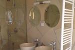 Badezimmer in der Kamerun Lodge L in meiner Heidefarm